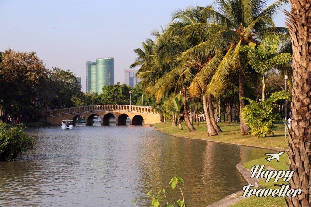 happy traveller thailand1