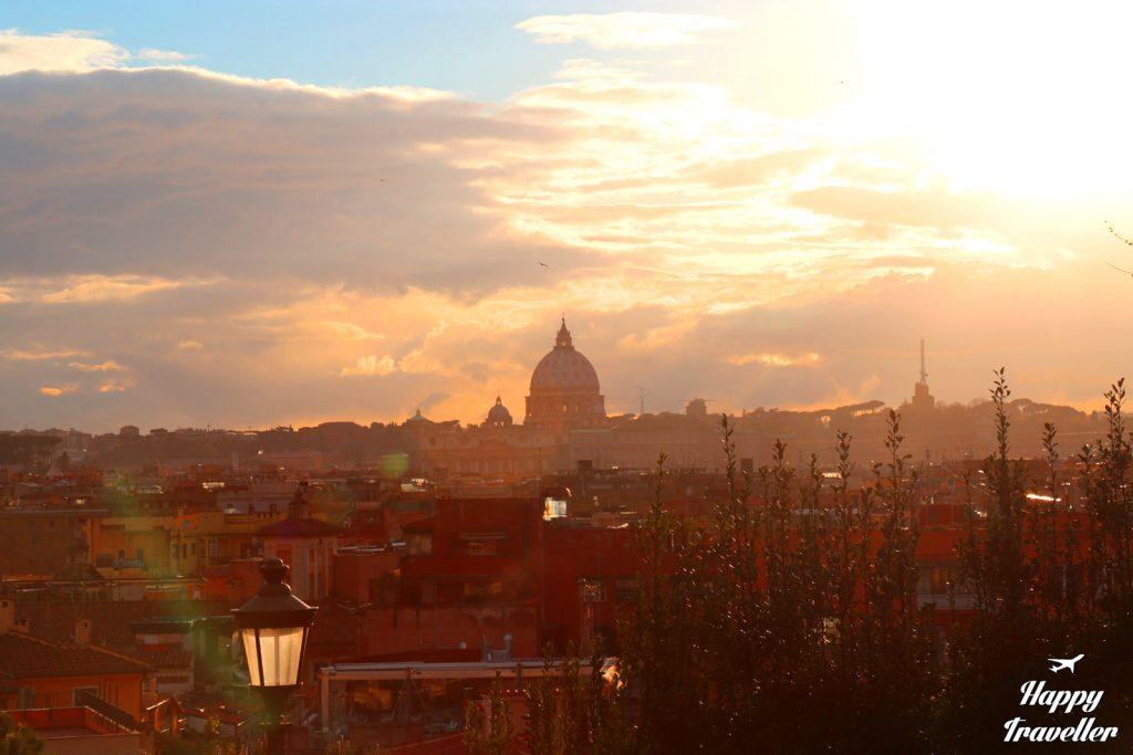 rome happy traveller