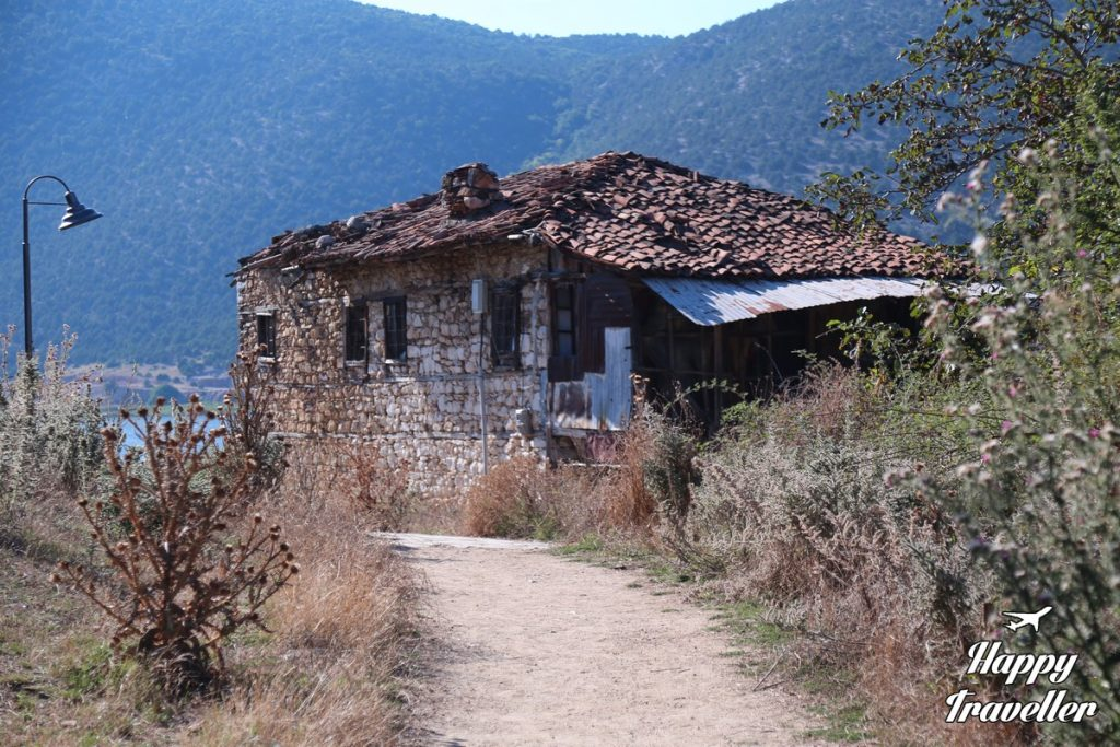 agios axilleios prespes happy traveller (2)