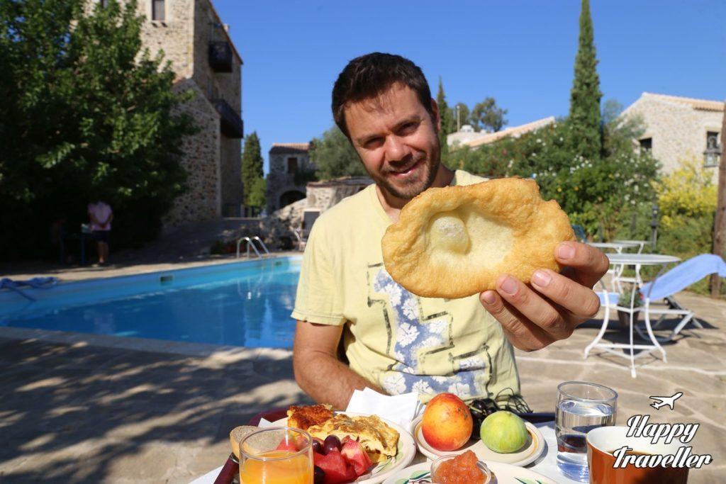 githio pirgos petropoulaki happy traveller (5)
