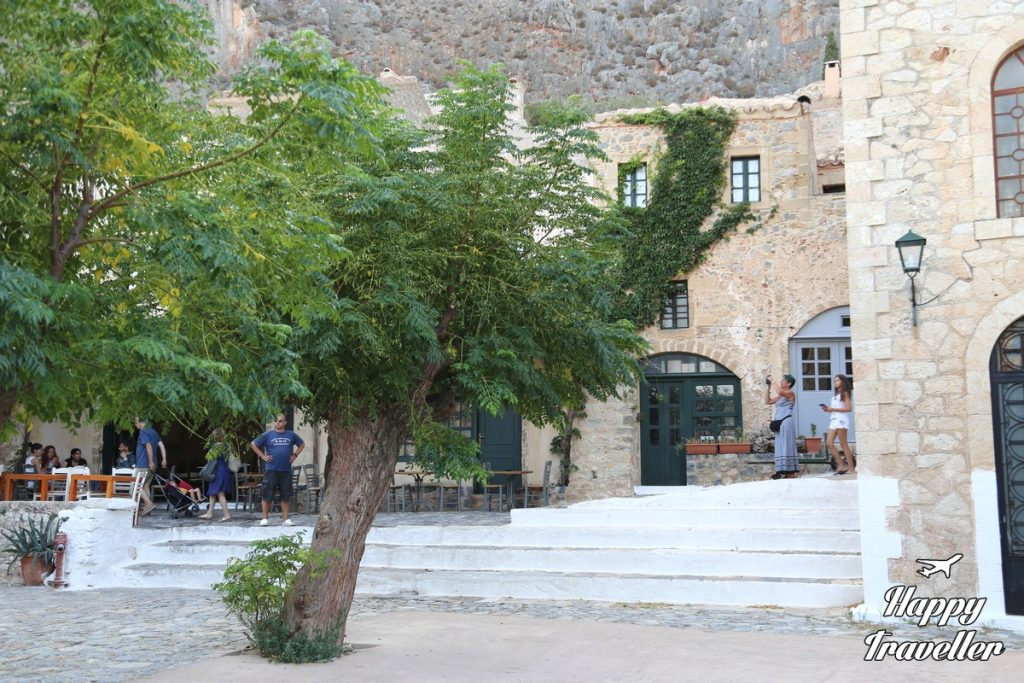 monemvasia happy traveller (14)
