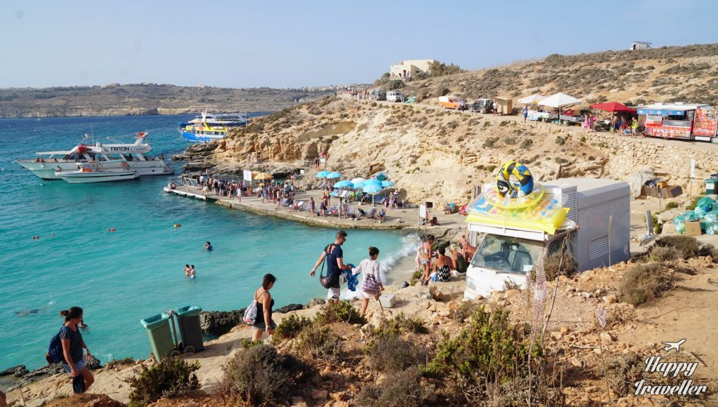 comino-cominoto-blue-lagoon-malta-happy-traveller-2