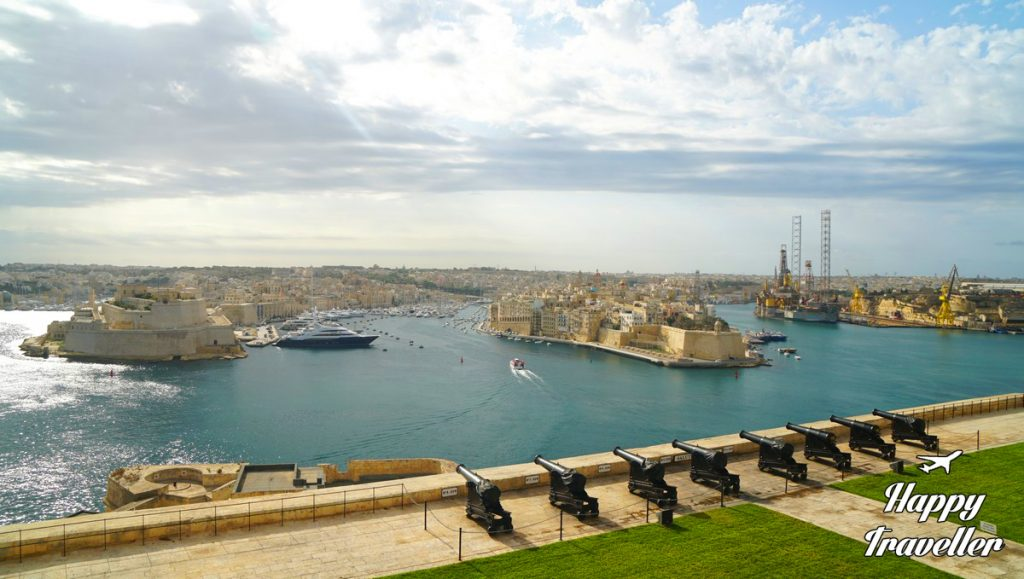 malta-happy-traveller-56