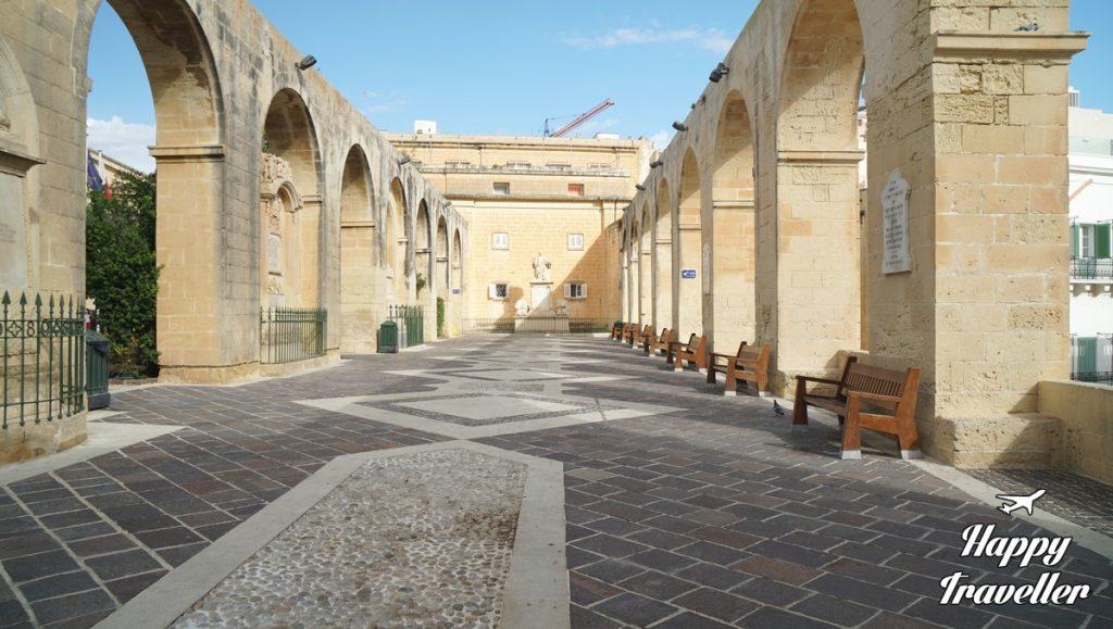 malta-happy-traveller-62