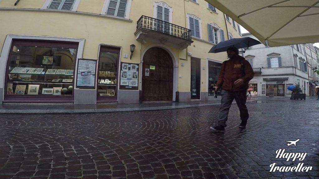hands-free-umbrella1