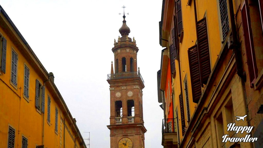 parma-italy-happy-traveller