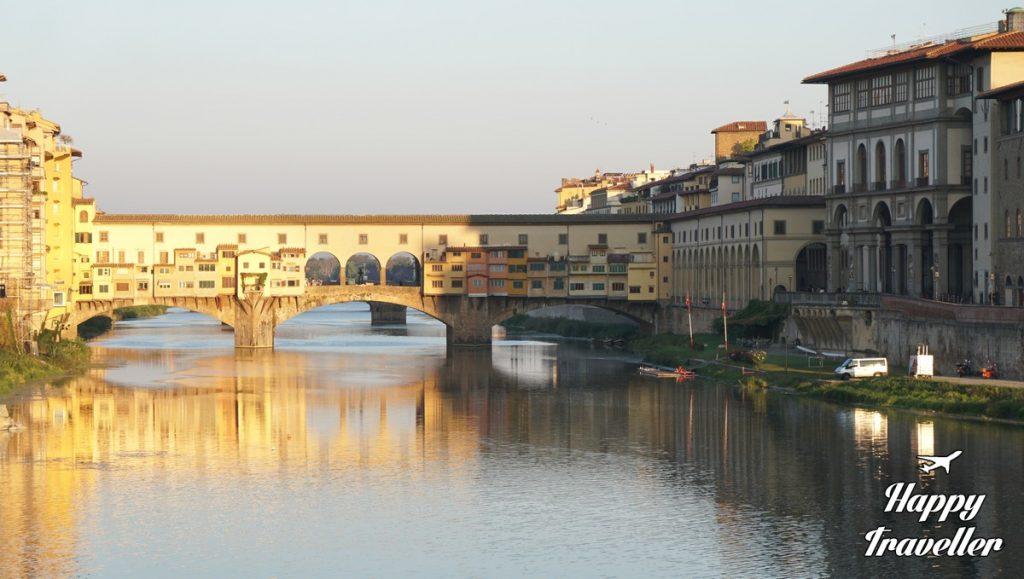 ponte-vecchio-florentia-italia-happytraveller