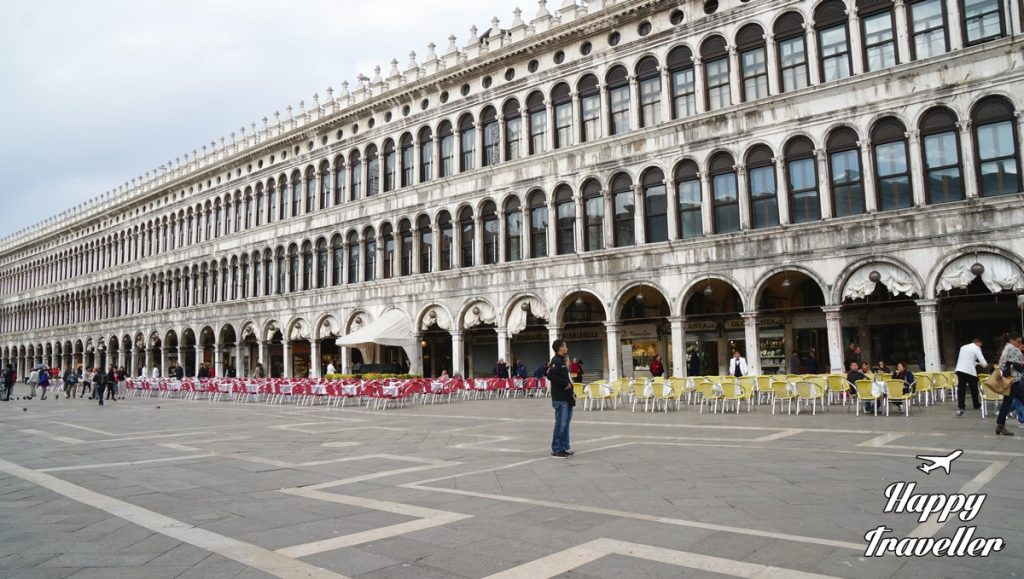 venetia-happy-traveller-italy-11