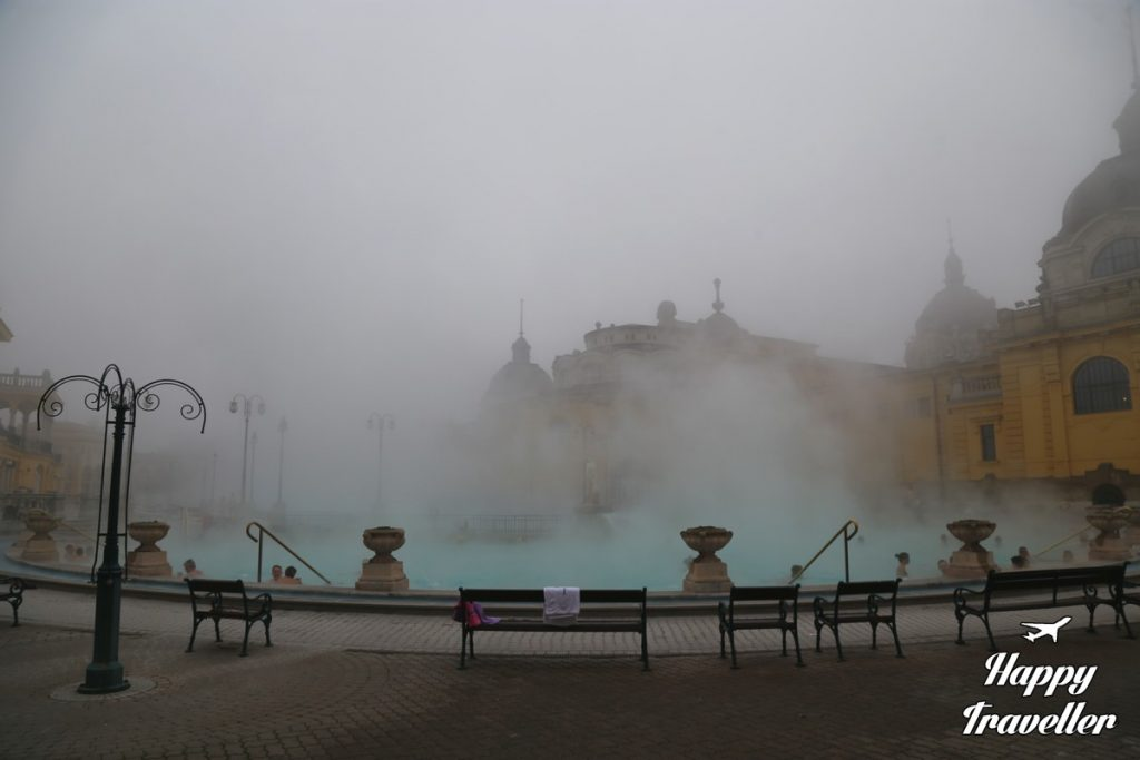 budapest-szechenyi-spa-happy-traveller