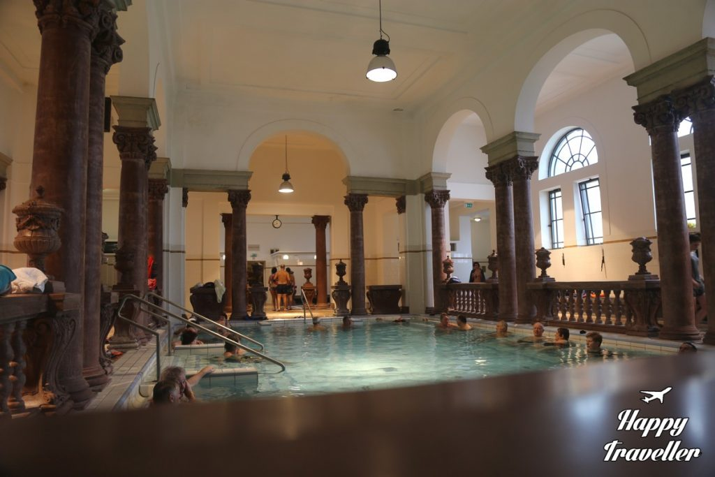 budapest-szechenyi-spa-happy-traveller-5