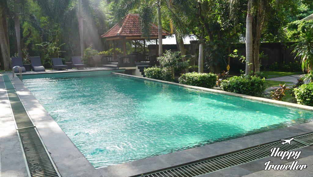 champlung-sari-hotel-ubud-bali-indonesia-happy-traveller-3