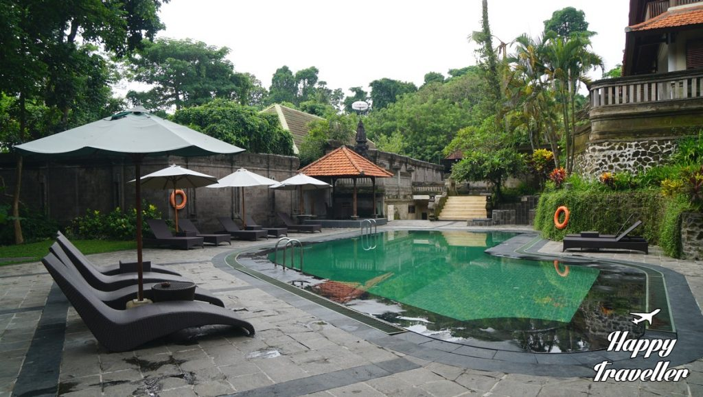champlung-sari-hotel-ubud-bali-indonesia-happy-traveller-4