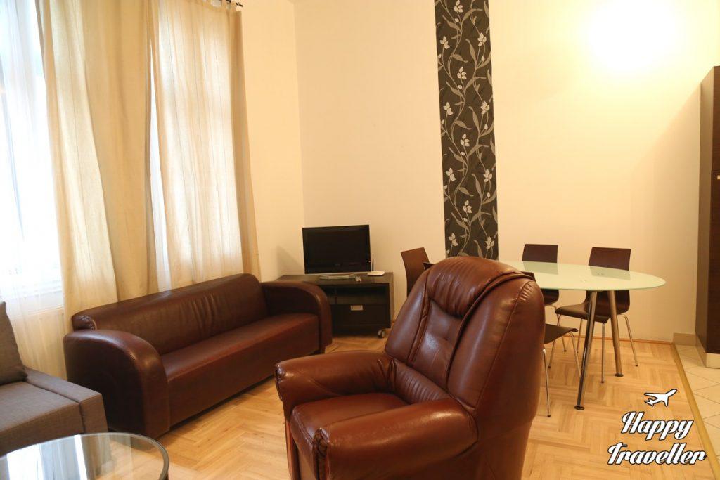 park-residence-budapest-hungary-happy-traveller-3