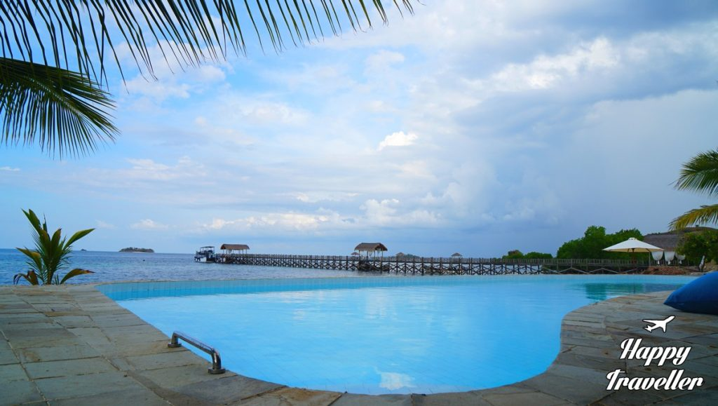 seraya-hotel-resort-indonesia-happy-traveller-8