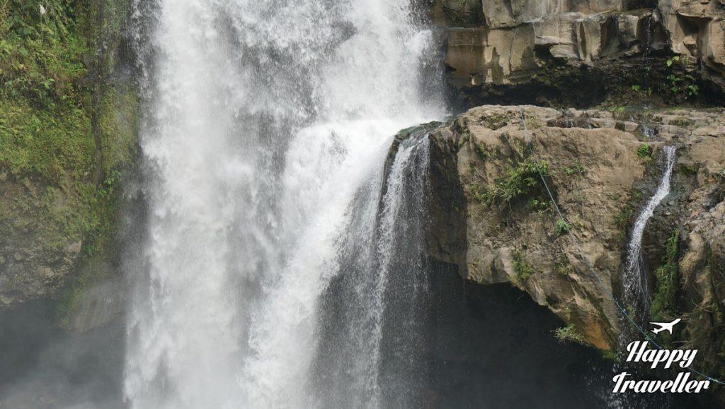 tegenungan-waterfall-happy-traveller-bali-4