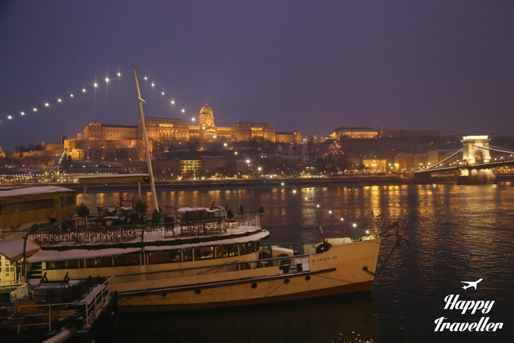 budapest-hungary-happy-traveller-14