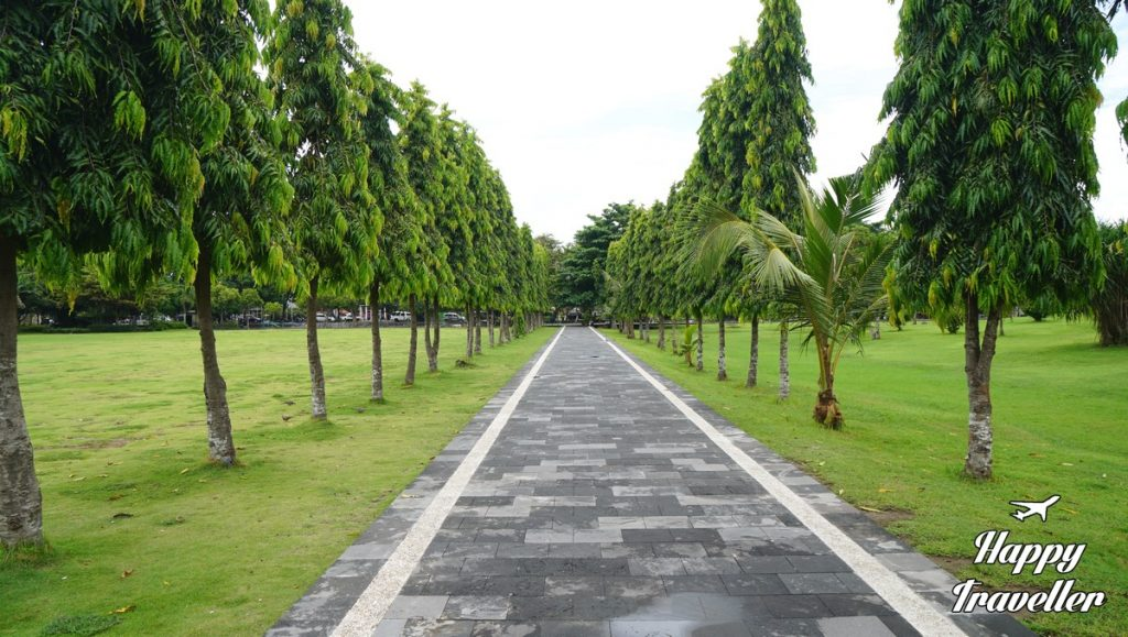denpasar-bali-happy-traveller-4