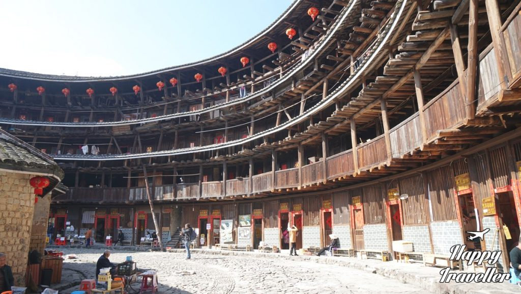 hakka-house-fujian-china-happy-traveller-2