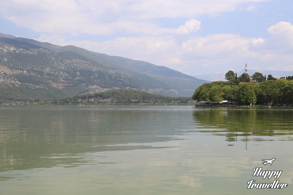ioannina-happy-traveller