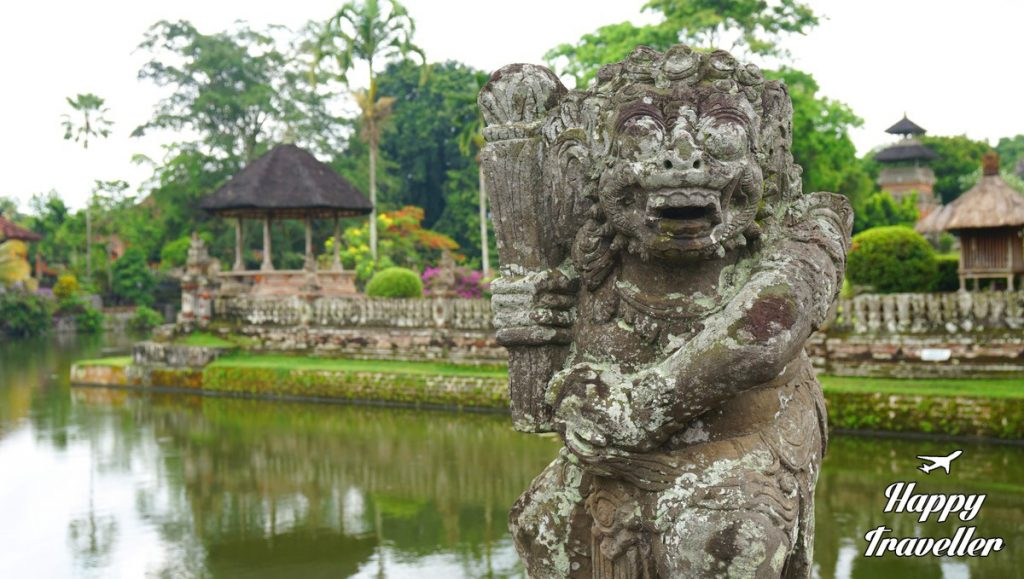 taman-ayun-temple-happy-traveller-bali