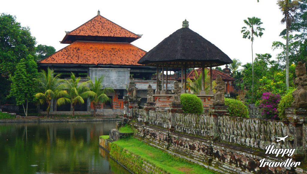 taman-ayun-temple-happy-traveller-bali-2