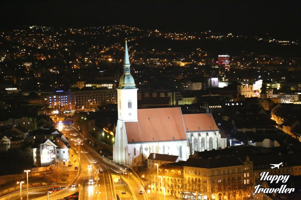 ufo-restaurant-bratislava-slovakia-happy-traveller-13
