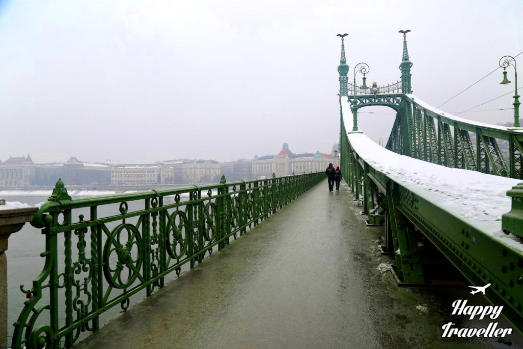 budapest-with-snow-happy-traveller-10