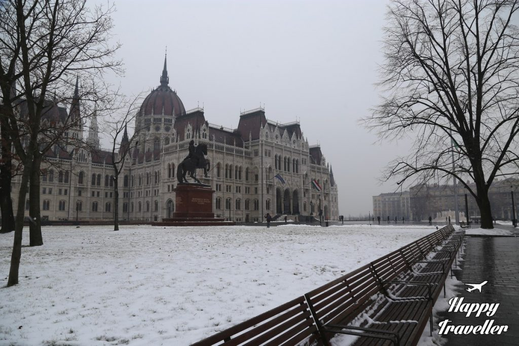 budapest-with-snow-happy-traveller-12