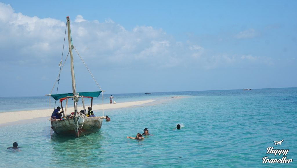 zanzivari-happy-traveller-blue-safari-15