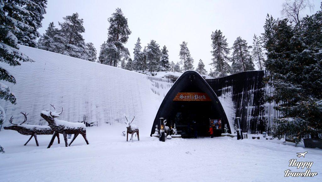 SANTA park LAPLAND FINLAND happy traveller