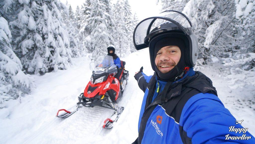 finland happy traveller rovaniemi