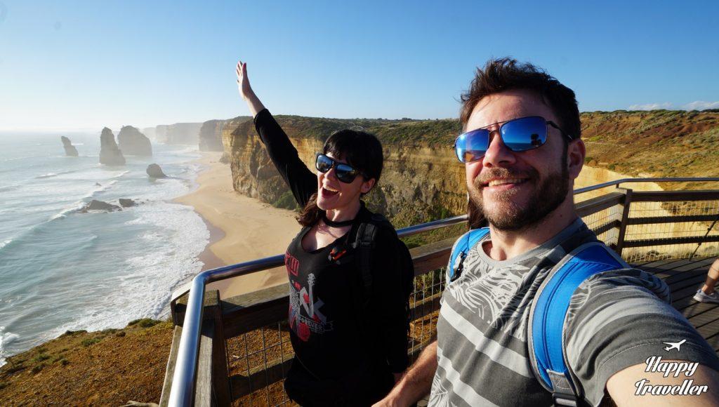 12 apostoles happy traveller australia