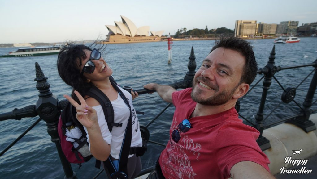 sydney australia happy traveller