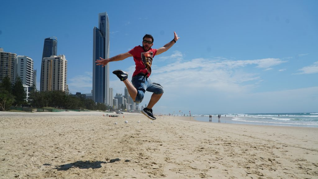 Happy Traveller - GOLD COAST 1