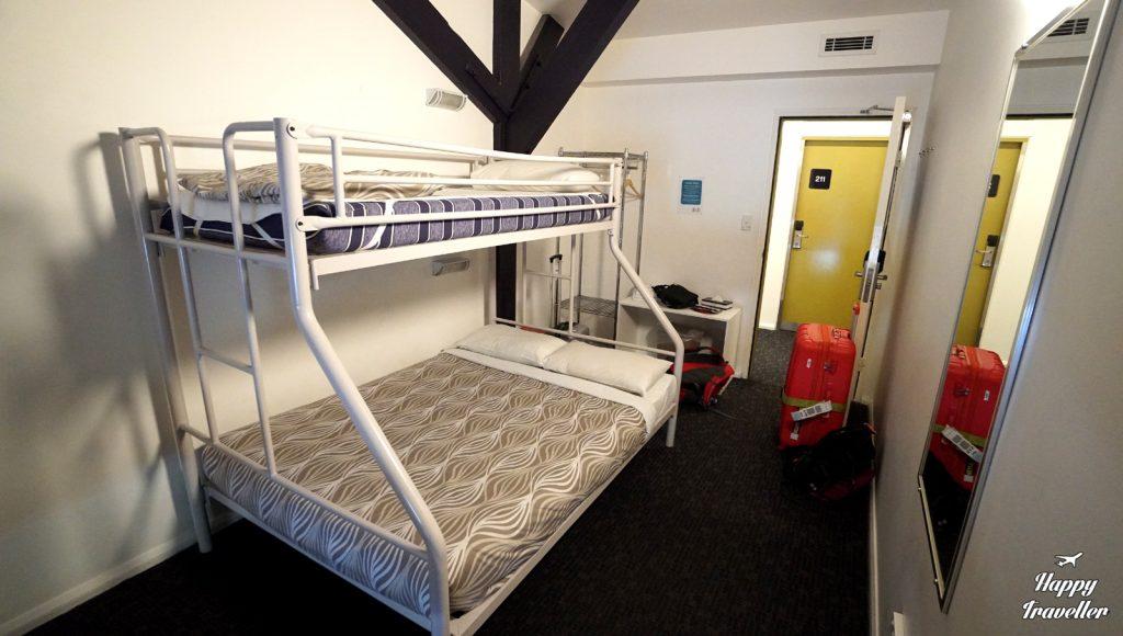 hostel happy traveller2