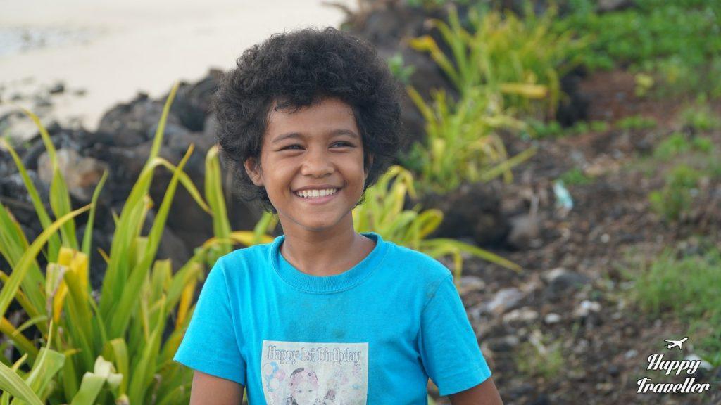 Παιδί στα περίχωρα της Άπια.