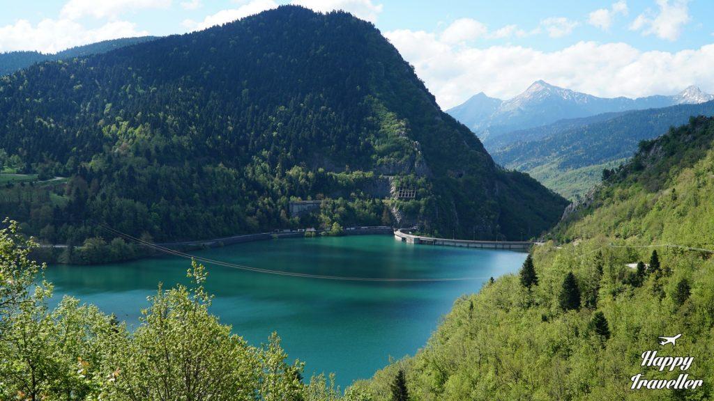 Άποψη της Λίμνης Πλαστήρα από το φράγμα.