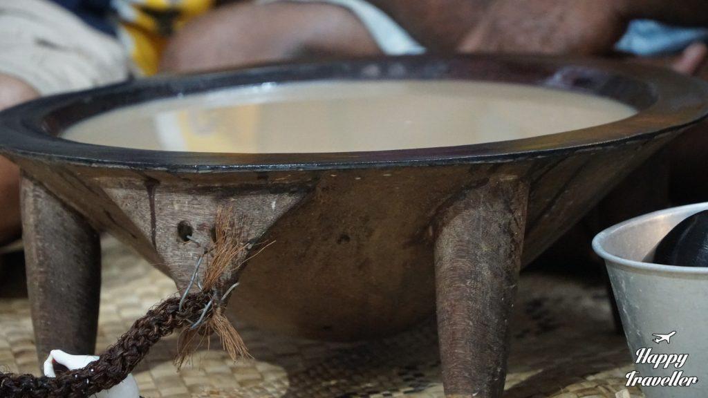 Η παραδοσιακή κάβα που πίνουν οι Φιτζιανοί.