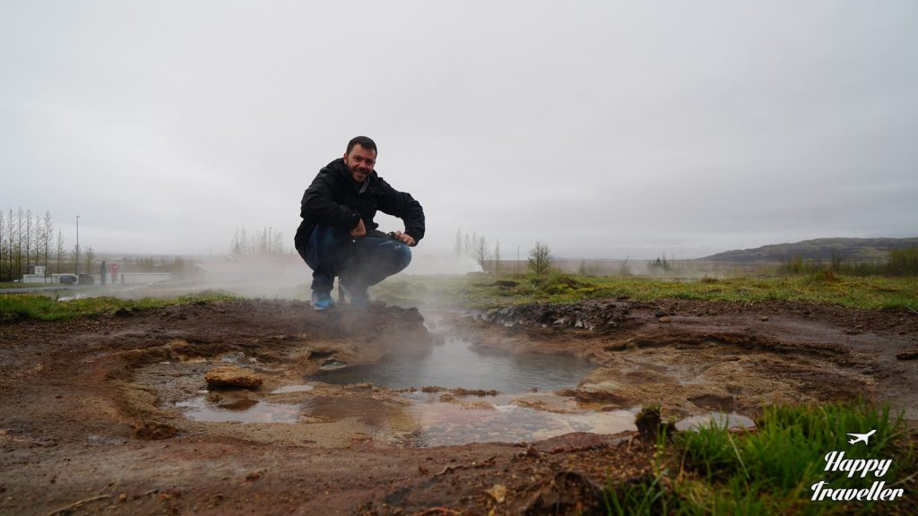 thermopidakas geysir iceland happy traveller (3)