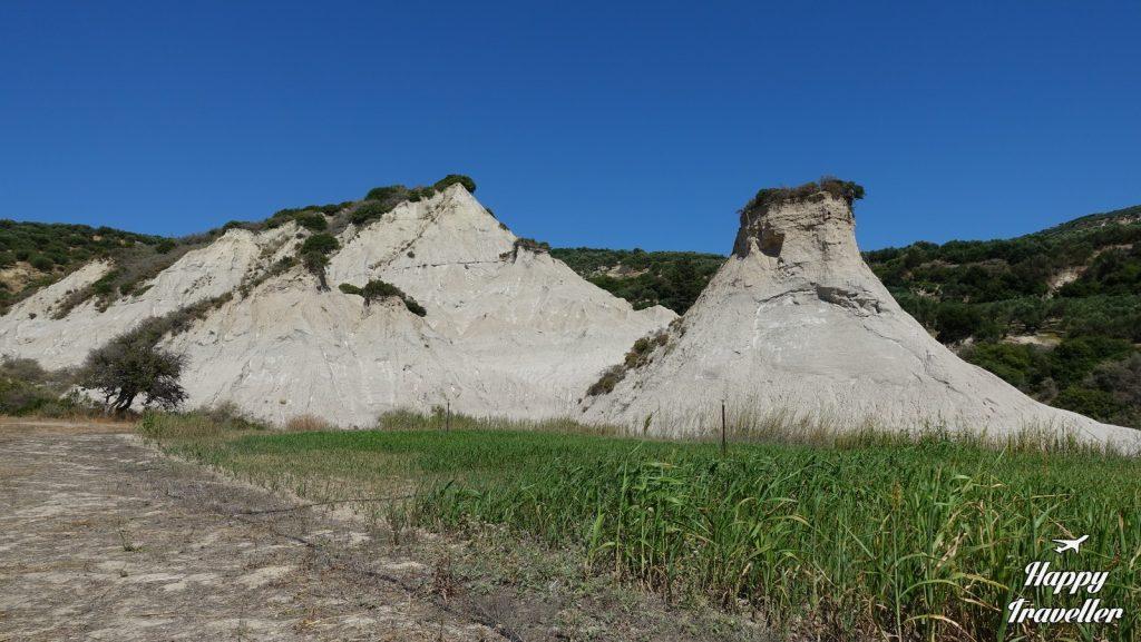 Οι κωμόλιθοι στο χωριό Ποταμίδα