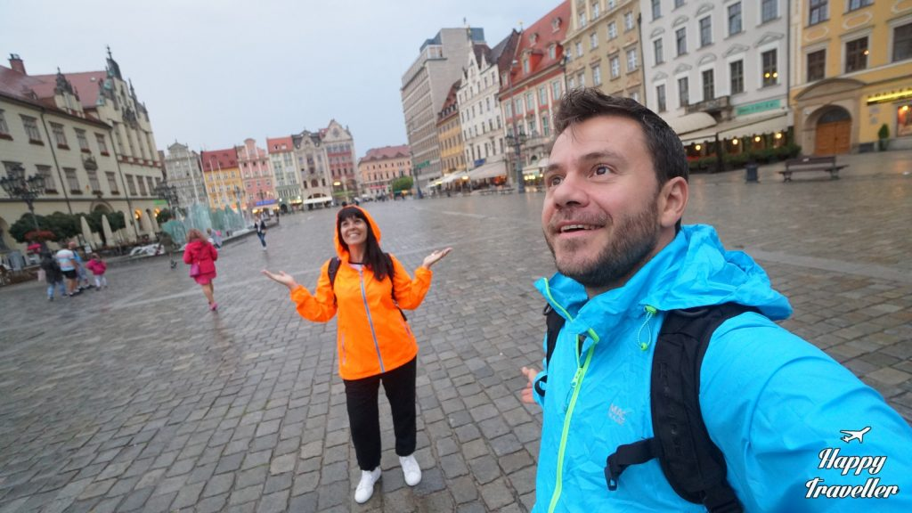 wroclaw poland happy traveller