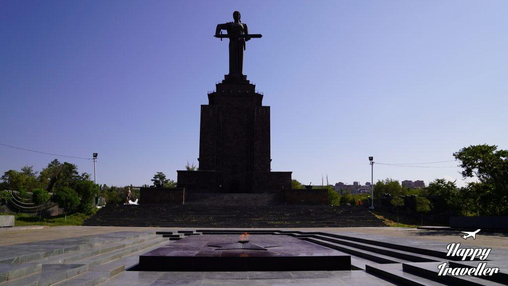 Το άγαλμα της μητέρας της Αρμενίας