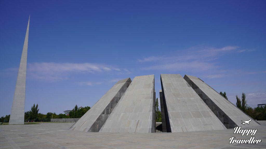 armenia happy traveller mnimio genoktonias armenion (3)