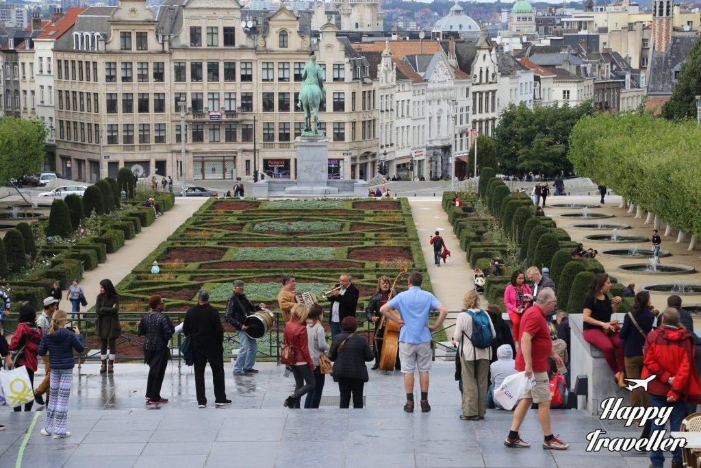 brussels belgium happy traveller (12)