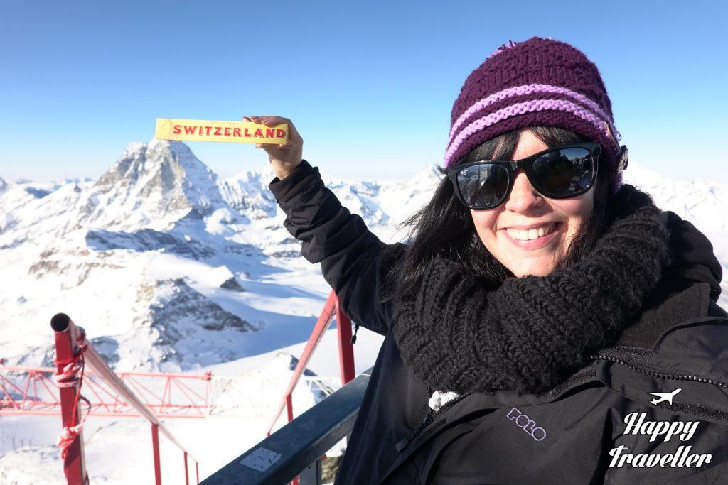 Η σοκολάτα TOBLERONE έχει επάνω της το βουνό Ματτερχόρν και έτσι είπαμε να βγάλουμε μια φωτογραφία