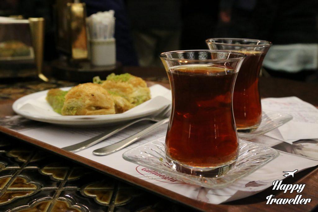 PARADOSIAKO FAGITO Konstantinoupoli Tourkia Happy Traveller (21)