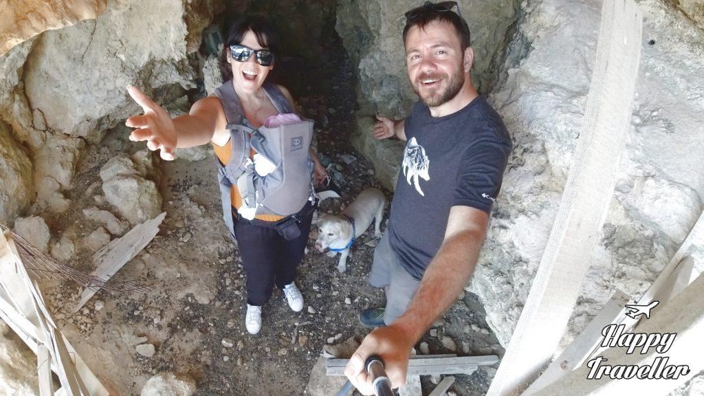 Στην σπηλιά του Αγίου Ευστρατίου