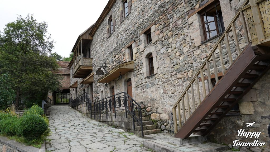 dilijan-armenia happy traveller (3)